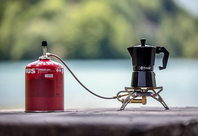 Ein guter Campingkocher oder -grill darf unterwegs nicht fehlen!