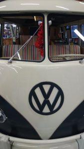 VW Bulli Front Nahaufnahme, schwarz-weiss