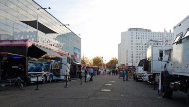 Messegelände vor den Haupthallen am Suisse Caravan Salon 2017
