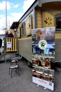 Ein Wohnwagen von Naturwagen