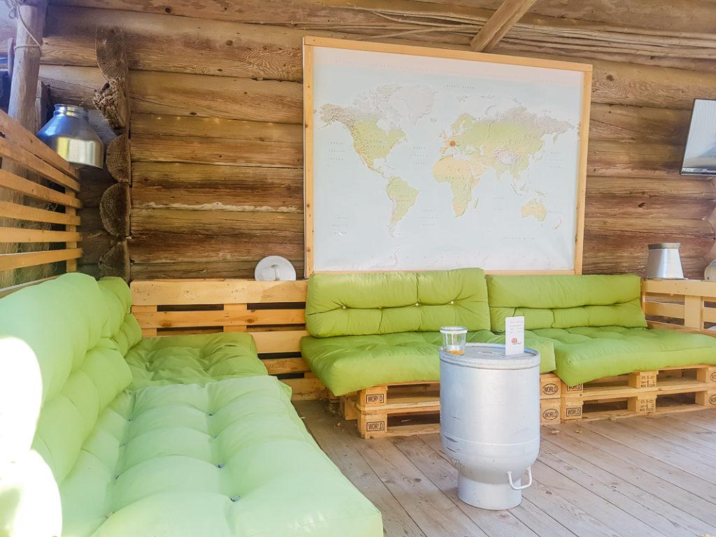 Sitzecke mit Bar - Kuerbishof Oppliger Emmental
