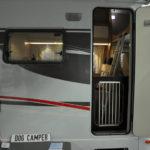 Dog Camper – Schutzgitter im Eingang