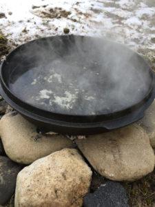 Deckel mit Wasser aufkochen