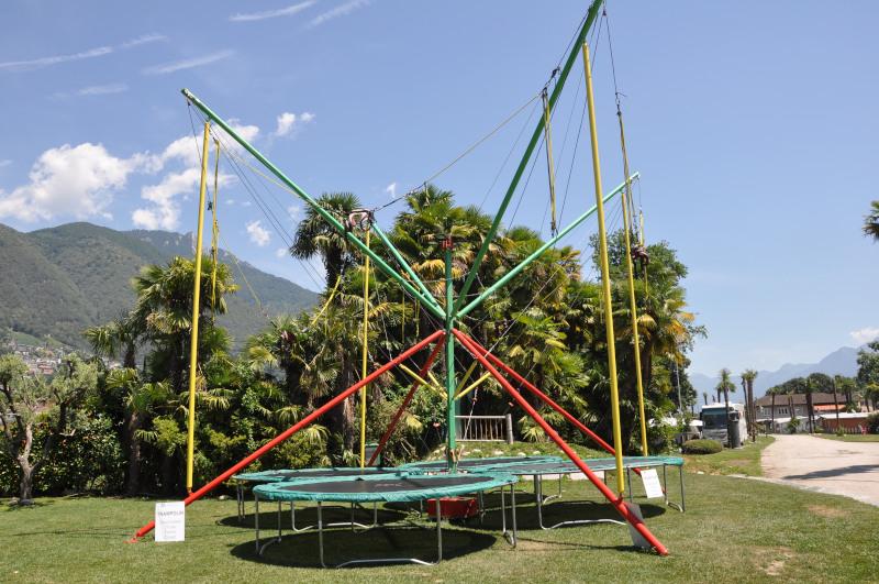 Spielwiese mit Trampolin