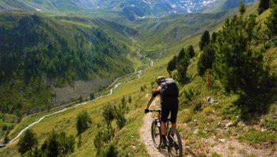 Campen mit Mountainbike