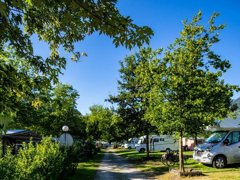 Camping Riarena bietet grosszügig Platz für alle Camper