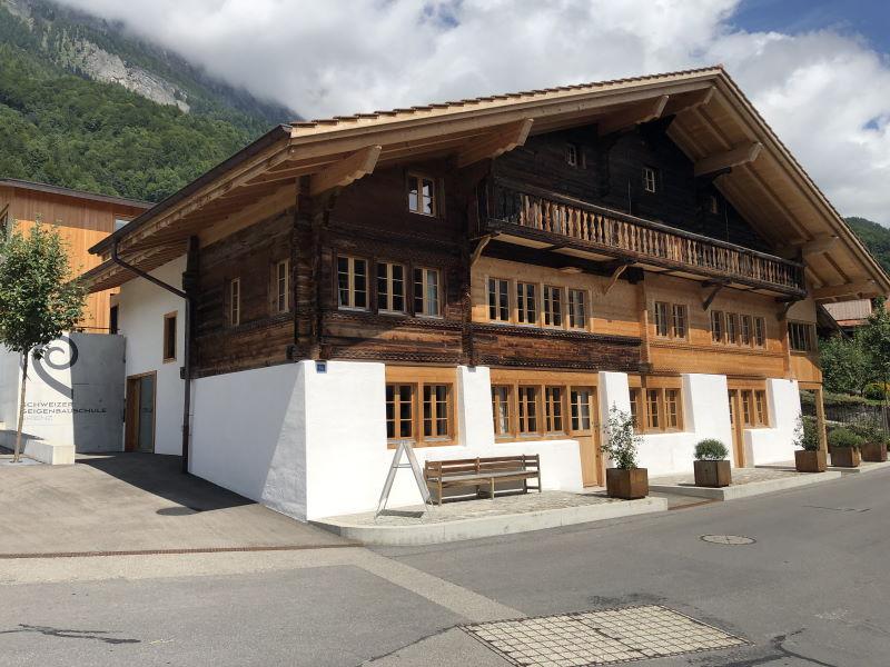 Schweizer Geigenbauschule Brienz